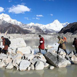 Король Бутана покоряет горные вершины