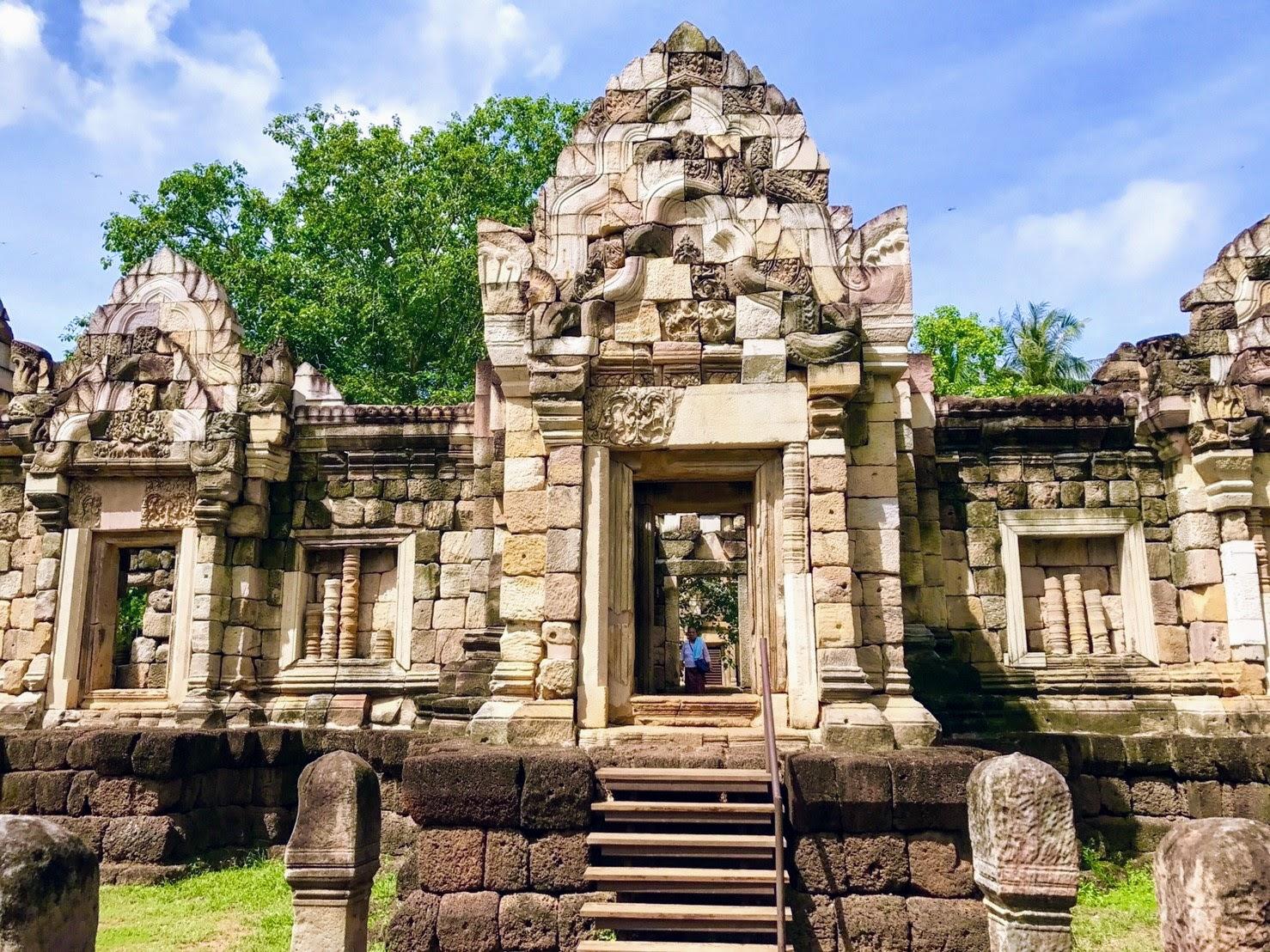 Древний кхмерский храм в программе тура «Следопыт»