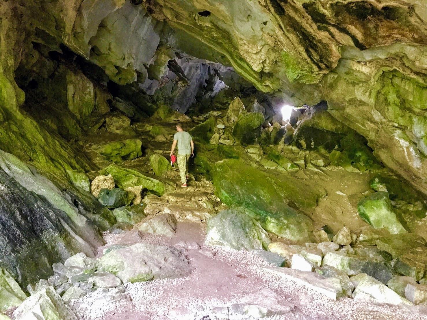 Пещера Приключений в двухдневном туре «Следопыт»