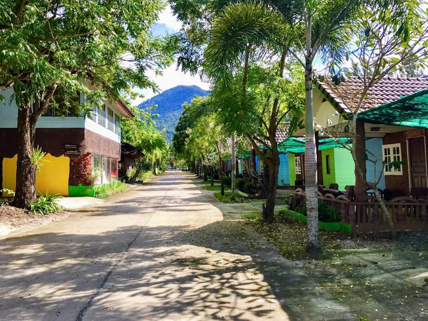 Эко-отель лодж в национальном парке в тайской провинции Сакэу